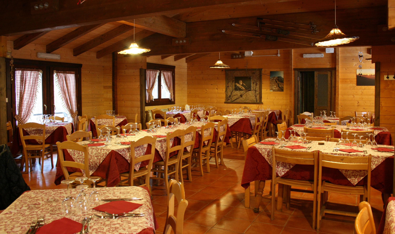 clan_ragazzi_chalet_etna_nord_ristorante1